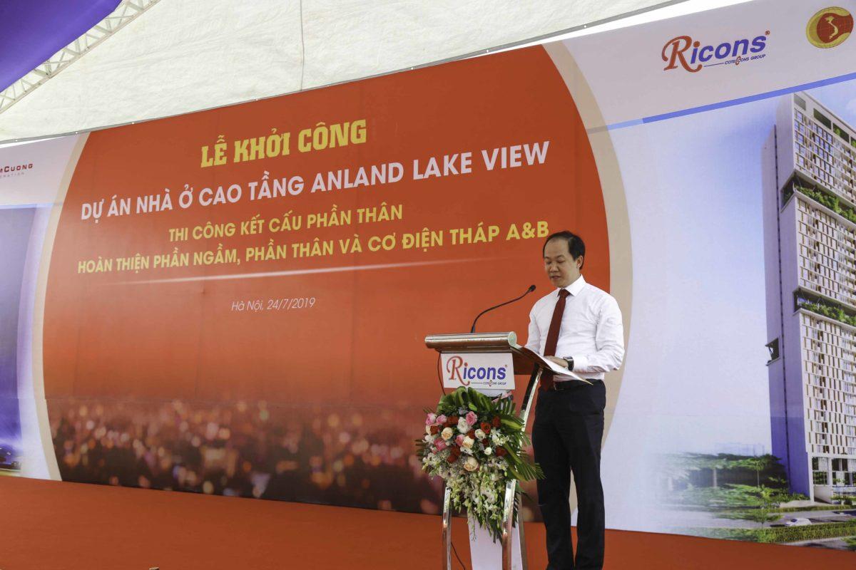 Phó tổng giám đốc tập đoàn Nam Cường phát biểu